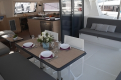 Catana 53 - Table de cockpit